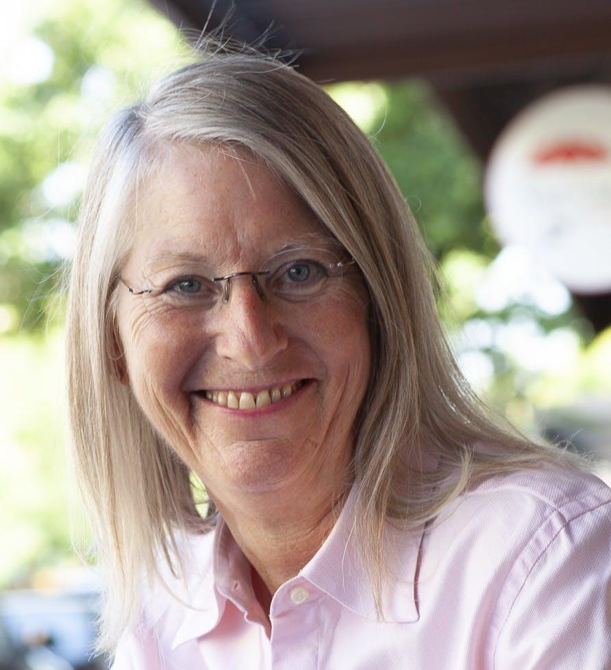 D'Lynda Fischer